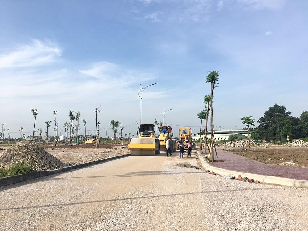 Hiện chủ đầu tư dự án - Công ty CP Đầu tư NewLand đang triển khai thi công hoàn thiện hạ tầng cơ sở