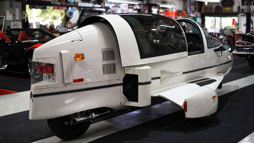 Phần đuôi xe như thiết kế của máy bay phản lực