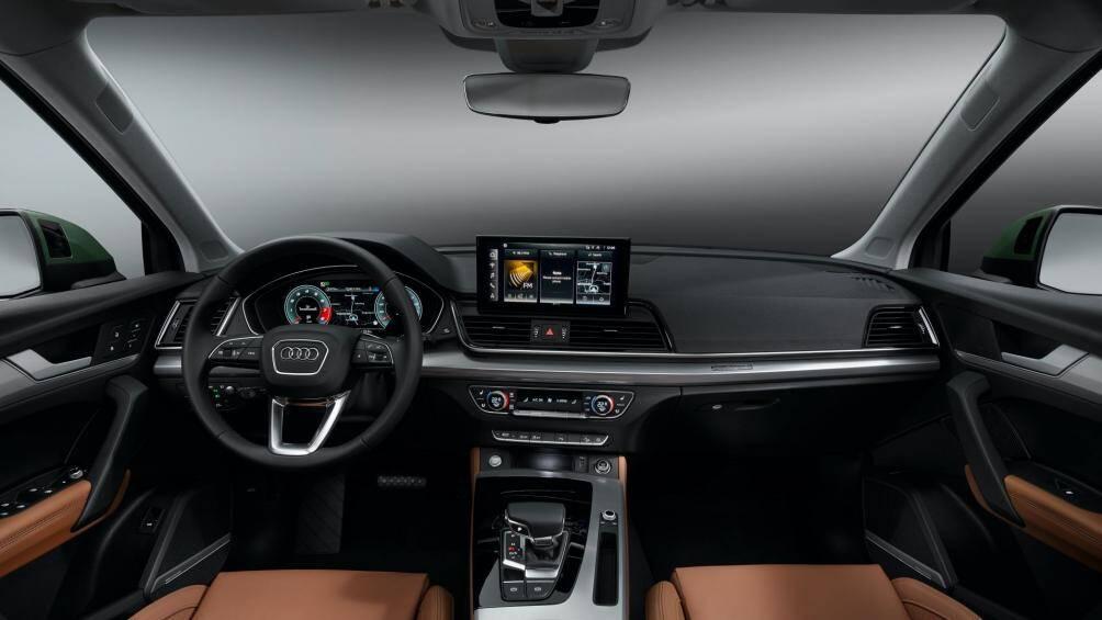 Xe được trang bị màn hình giải trí cảm ứng kích thước 10,1 inch, có thể tương thích Apple Carplay và Android Auto