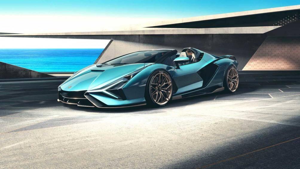 Lamborghini Sián Roadster chỉ được sản xuất giới hạn 19 chiếc tại nhà máy của Lamborghini ở Sant'Agata (Ý)