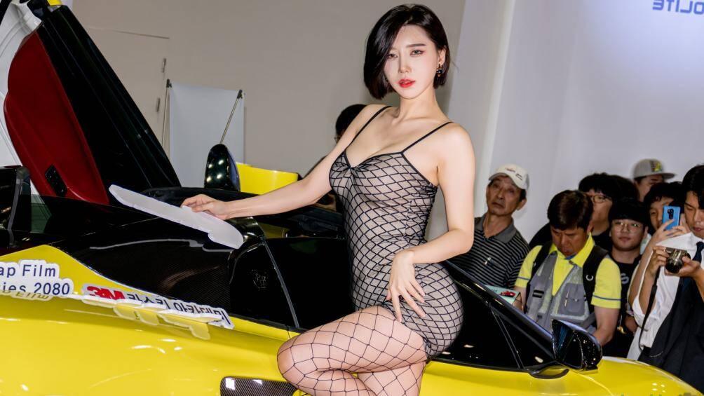 Song Jooa trông thật sexy trong bộ đồ ren lưới
