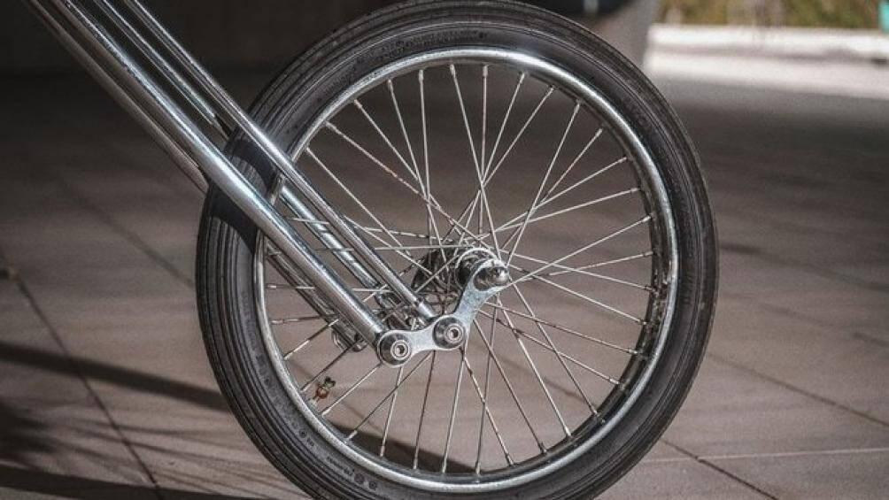 Kết hợp với đó là dòng bánh xe được nhập từ Mỹ với bánh trước lớn cỡ 21-inch và bánh sau cỡ 16-inch