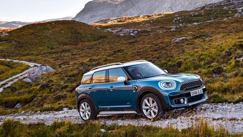 5. Mini - thương hiệu con của tập đoàn ô tô nổi tiếng nước Đức (BMW) với 853 điểm