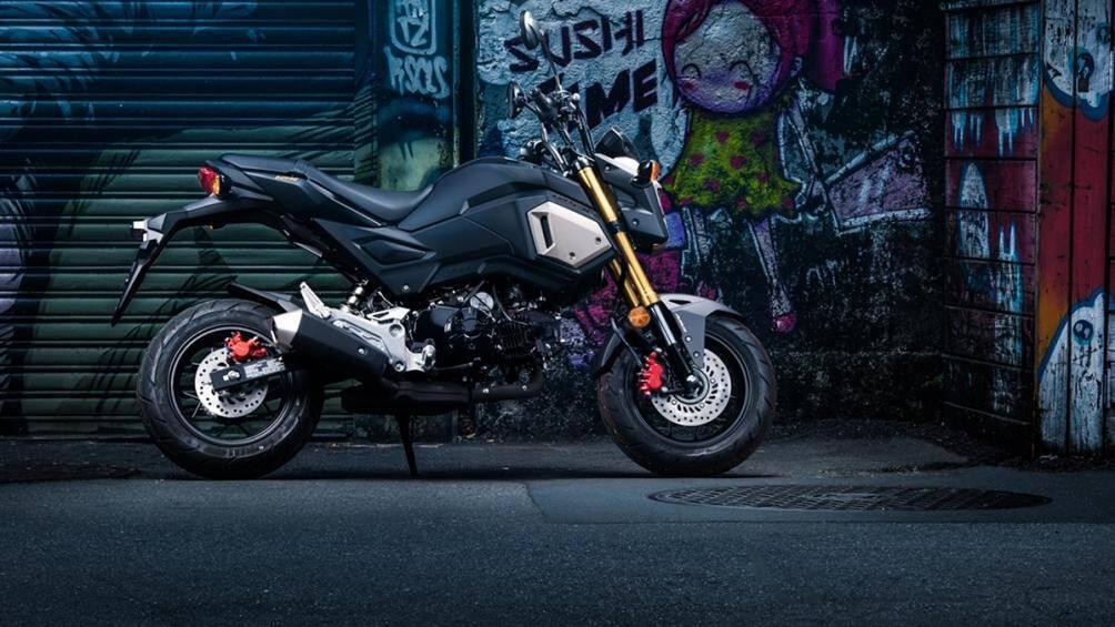 1. Honda MSX ABS 2020 (125cc): Là xe côn tay thể thao cỡ nhỏ nhưng đem lại khả năng vận hành dễ dàng nhưng cực kì cơ động, thú vị