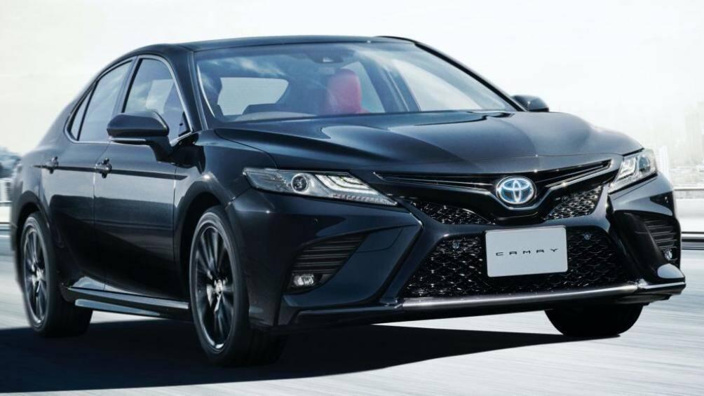 Phiên bản kỷ niệm 40 năm ra mắt lần đầu của Toyota Camry này được sơn màu đen