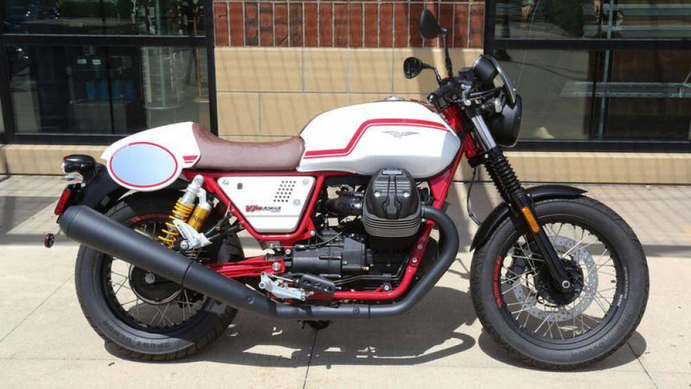 7. Moto Guzzi V7 Racer: Dòng V7 của Moto Guzzi có sức sống mãnh liệt dù là một mẫu xe cuối những năm 60 ở Ý