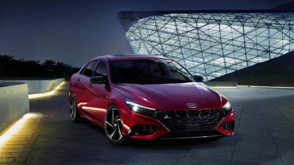 Hyundai Elantra N Line 2021 vừa được Hyundai cho ra mắt với công nghệ lấy từ những chiếc xe đua
