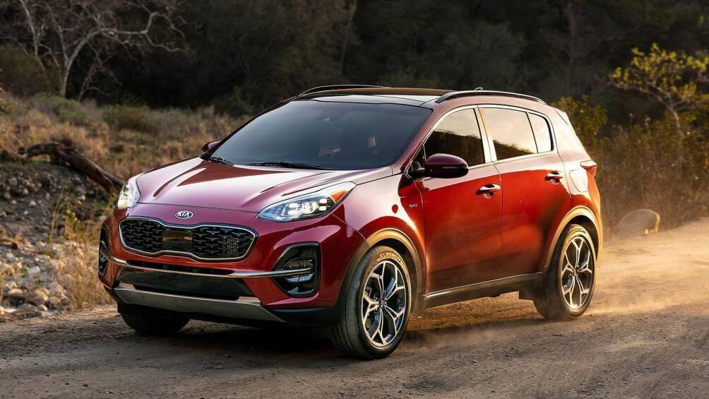 10. KIA Sportage Nhỏ gọn hơn Tucson một chút, mẫu xe gầm cao đến từ Hàn Quốc này đã bán được 40.000 xe tại Mỹ trong 6 tháng đầu năm 2020 (chỉ giam 1% so với cùng kỳ năm ngoái)