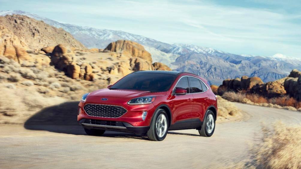 6. Ford Escape IV Tạm dừng sản xuất vào năm 2014 và năm 2019 thì Ford Escape tiếp tục được sản xuất, với nhiều trang bị cao cấp, 6 tháng đầu năm 2020 đã có 75.300 chiếc Espace IV bán ra tại Mỹ