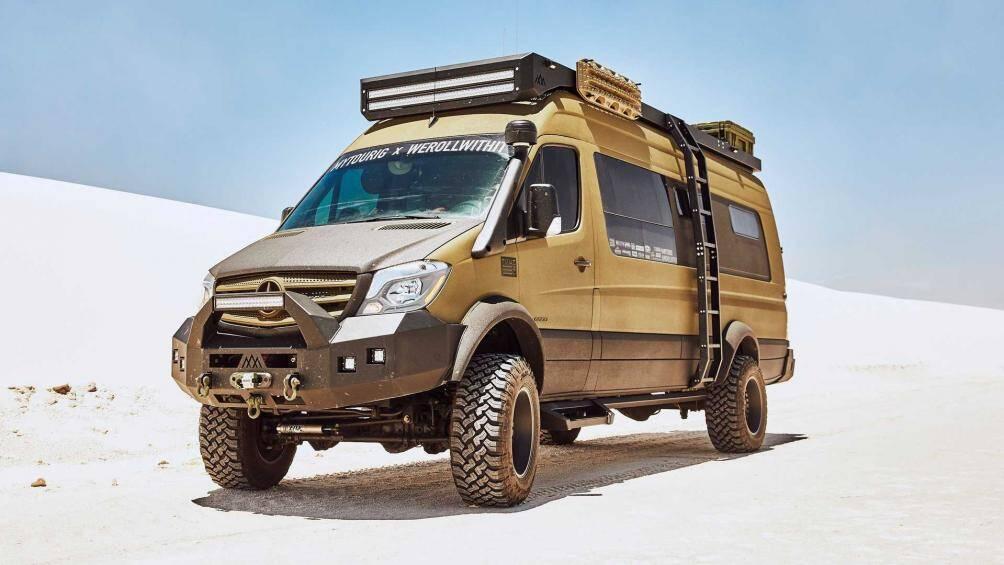 Nhìn từ bên ngoài, ít ai nghĩ rằng Mercedes-Benz Sprinter Expedition lại có một khoang nội thất vô cùng sang trọng