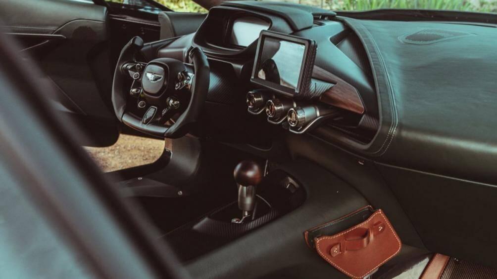 Tuy nhiên, nhà sản xuất đã điều chỉnh thêm để sản sinh công suất 836 mã lực và mô-men xoắn cực đại 821 Nm, tăng từ 760 mã lực của One-77