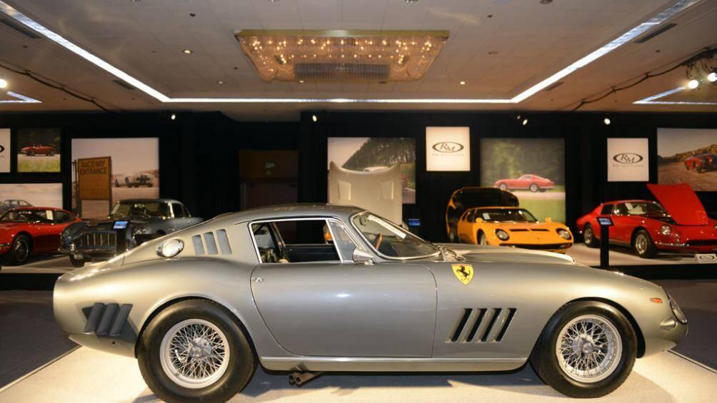 7. Ferrari 275 GTB/C Speciale 1964: Mãu xe cổ này được bán vào tháng 8/2014 với giá 26,4 triệu USD (khoảng 612 tỷ đồng)