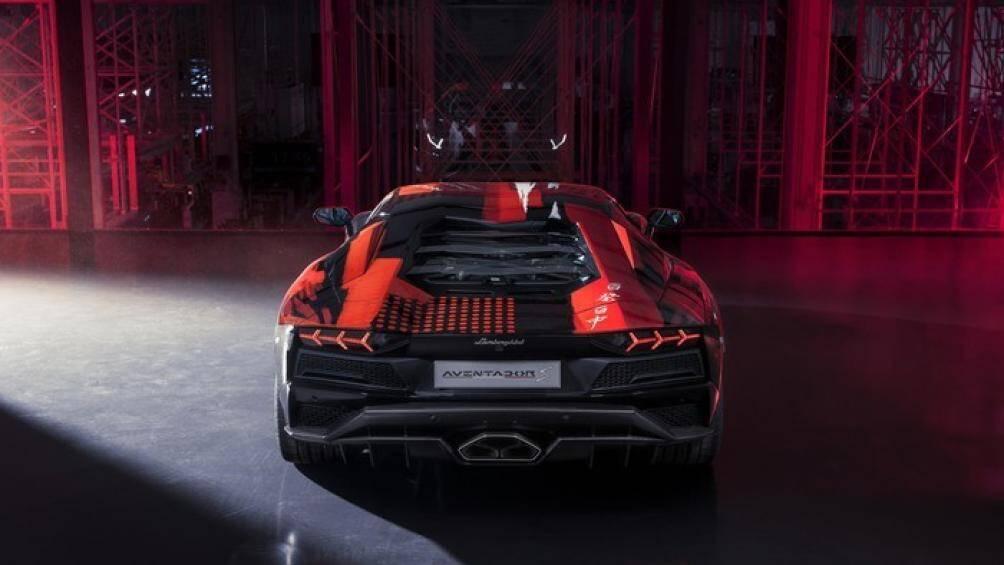 Chiếc xe độc nhất này vẫn được giữ nguyên dưới vẻ ngoài mới, động cơ V12 6.5L hút khí tự nhiên
