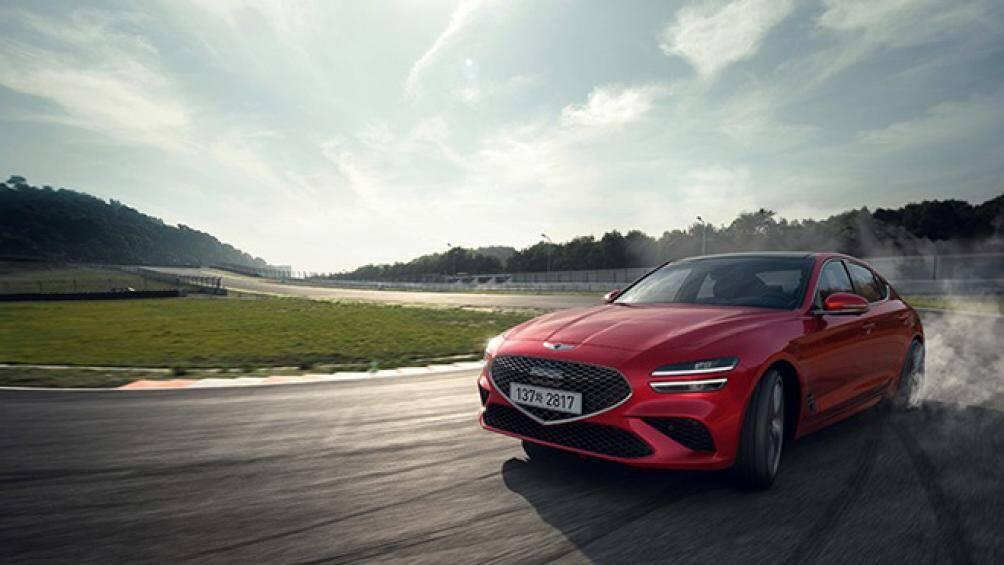 Mới đây, Genesis vừa ra mắt phiên bản nâng cấp mới của mẫu xe G70 2021 với khối động cơ mới cùng nhiều trang bị an toàn khác