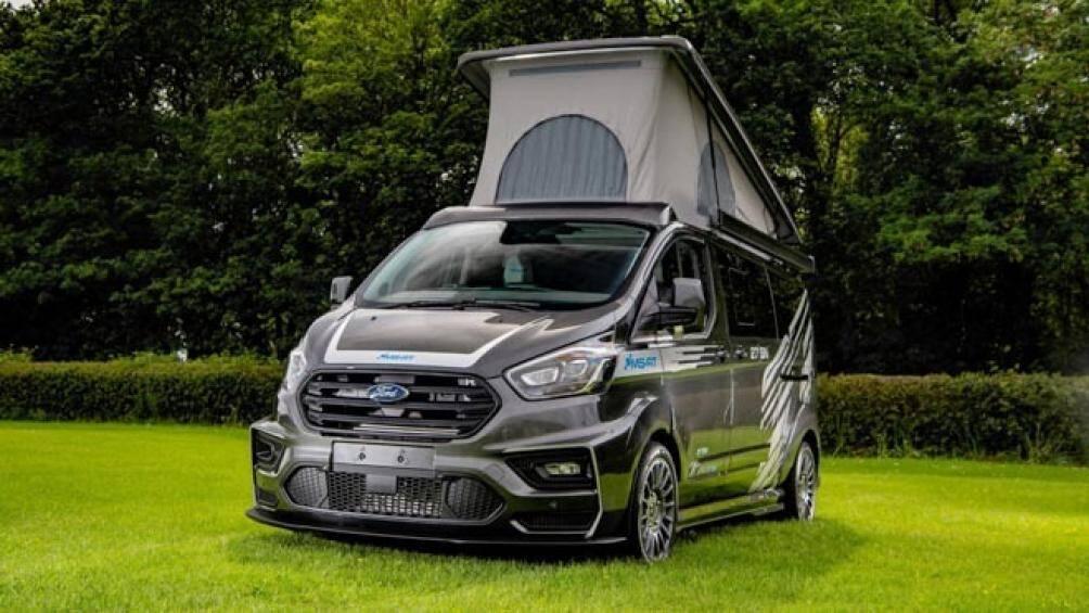 MS-RT và Wellhouse Leisure đã biến chiếc xe chuyên chở khách Ford Transit trở thành căn nhà di động với đầy đủ trang bị, tiện nghi, sang trọng