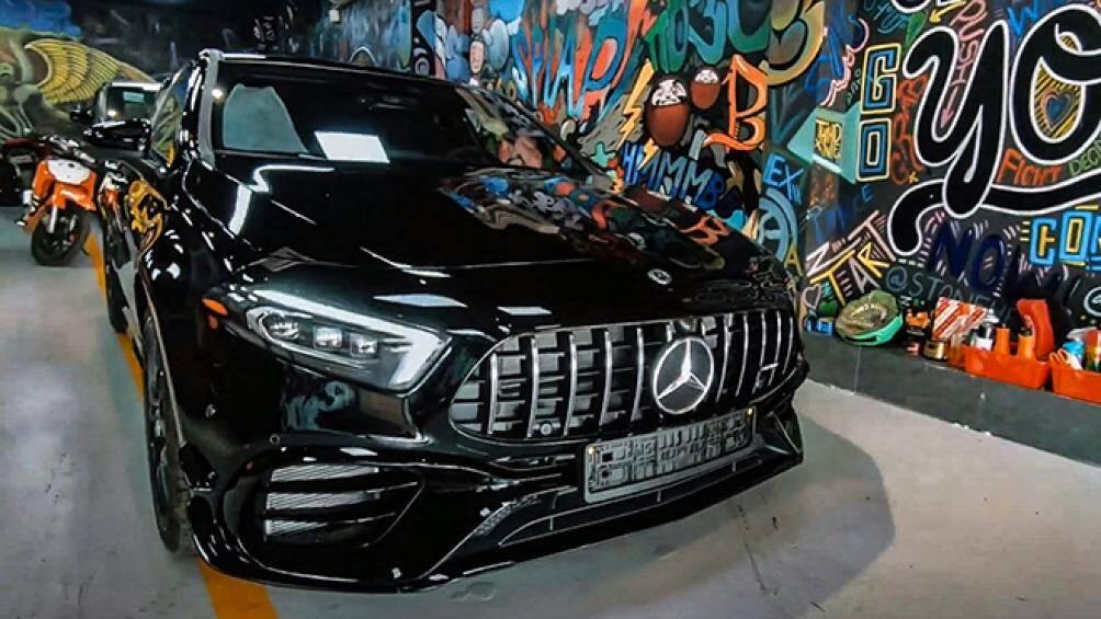Mercedes-AMG A45 được trang bị khối động cơ 4 xy lanh, dung tích 2.0L tăng áp, cho công suất tối đa 421 mã lực