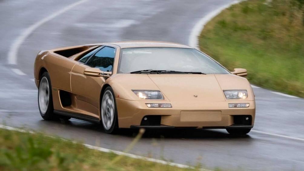 Lamborghini Diablo là siêu xe nổi bật nhất thập niên 90 của thế kỷ trước, mẫu siêu xe huyền thoại này cũng vừa đón sinh nhật lần thứ 30 của mình