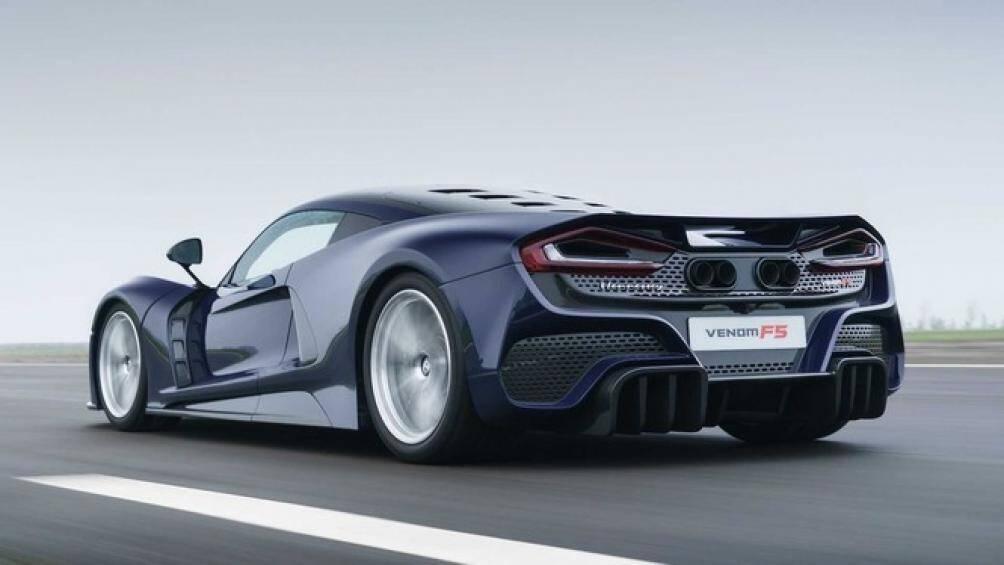 Siêu xe độc quyền này có khả năng đạt tốc độ tối đa 500 km/h và sẽ bán với giá 2,1 triệu USD (48,6 tỷ đồng). Xe sẽ bắt đầu giao đến tay khách hàng vào đầu năm tới