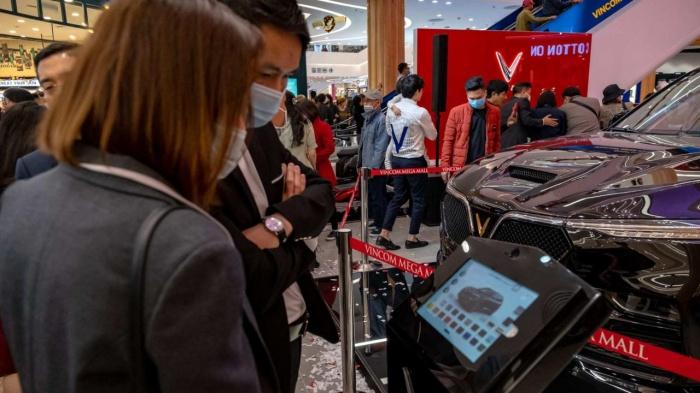 VinFast khai trương showroom 3S mới tại Vincom Mega Mall Ocean Park 3