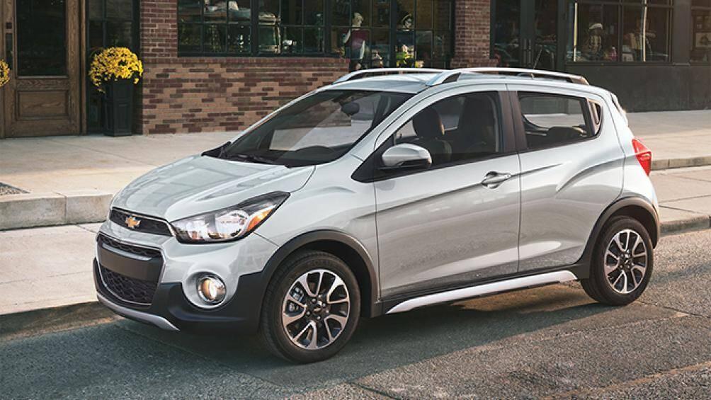 Mẫu xe hạng A Chevrolet Spark 2021 vừa được ra mắt tại thị trường Mỹ với 4 phiên bản khác nhau, giá bán từ 13.400 USD (khoảng 311 triệu đồng)