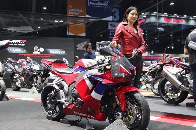 Mẫu sportbike mới của Honda, CBR600RR 2021 vừa lộ diện hình ảnh thực tế tại triển lãm xe Thái Lan Auto Show vừa diễn ra cách đây ít ngày