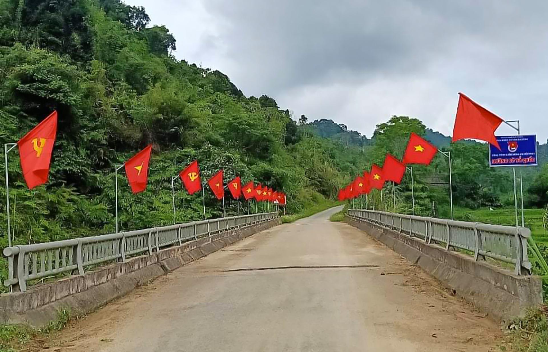 Tại huyện biên giới Quế Phong không khí cũng tưng bừng không kém