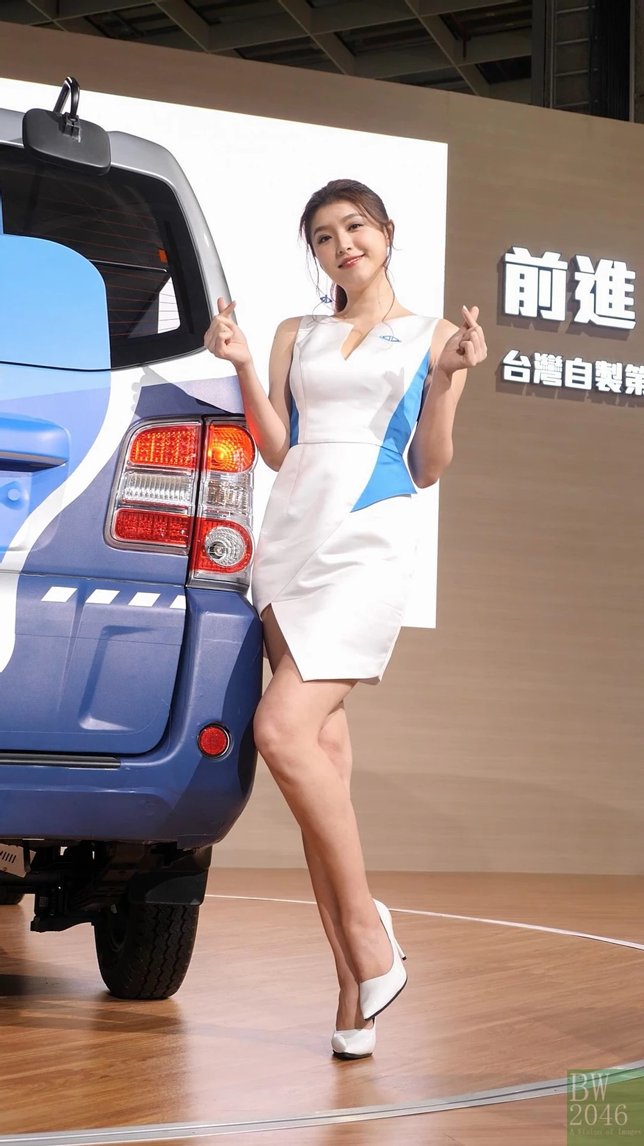 Livy được biết đến như một người mẫu xe nổi tiếng tại Đài Loan