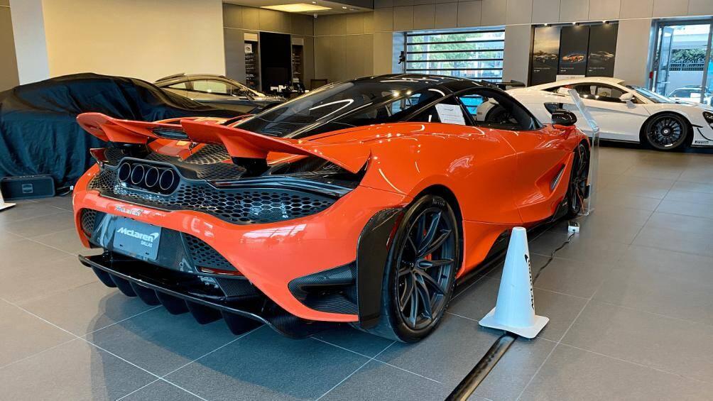 Giá xe McLaren 765LT tại Hồng Kông vẫn còn là ẩn số. Chỉ biết tại Mỹ, giá McLaren 765LT được chào bán khoảng 358.000 USD (8,6 tỷ đồng)