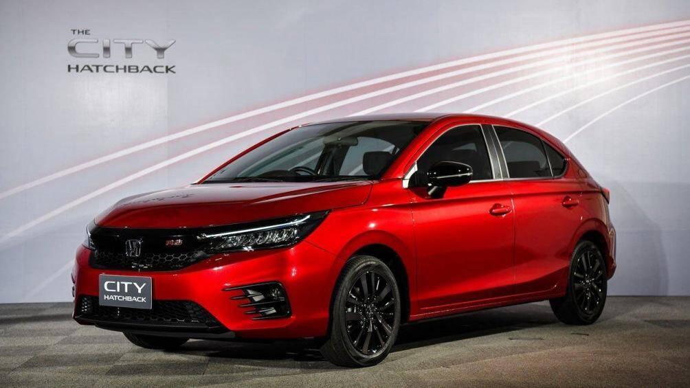 Sau khi được cho ra mắt tại Thái Lan, mẫu Honda City Hatchback cuối cùng cũng đã cập bến thị trường Indonesia với phiên bản RS duy nhất