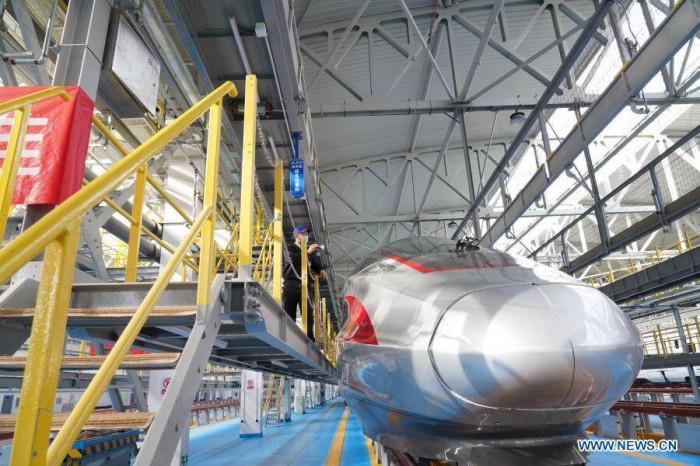 Trung Quốc bắt đầu dùng tàu cao tốc mới, có thể chạy khi lạnh kỷ lục 1