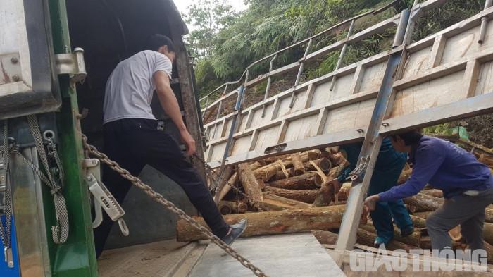 Cận cảnh hiện trường TNGT thảm khốc 7 người tử vong ở Thanh Hóa 8