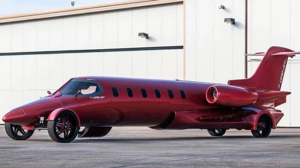 Ra mắt chính thức đầu tiên vào năm 2018, Limo-Jet là dự án xe limousine được phát triển dựa trên nền tảng máy bay cá nhân độc đáo