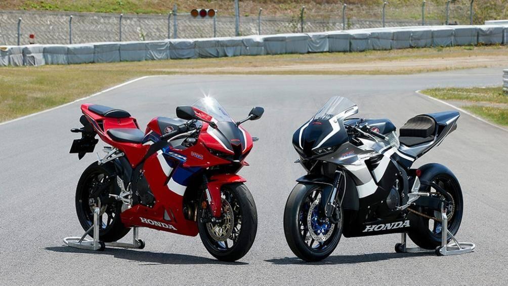 Mẫu sportbike Honda CBR600RR 2021 vừa được giới thiệu tại Malaysia sẽ có giá bán 98.888 RM (khoảng 550 triệu đồng)