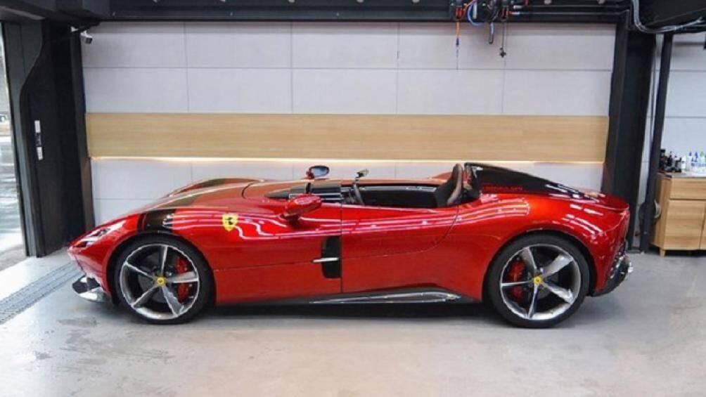 Ferrari Monza SP1 là chiếc siêu xe không mui và chỉ được sản xuất với số lượng khoảng 500 chiếc trên toàn thế giới