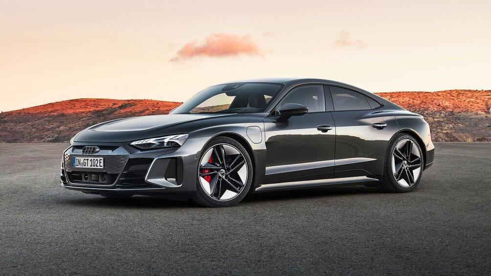 6. Audi e-tron (giá: 65.900 USD)