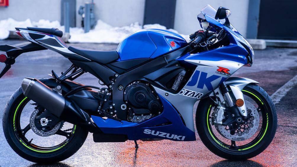 Sau khi mẫu GSX-R750 phiên bản 2021 trình làng nửa năm trước, Suzuki tiếp tục giới thiệu mẫu sportbike hạng trung khác là GSX-R600 thế hệ mới