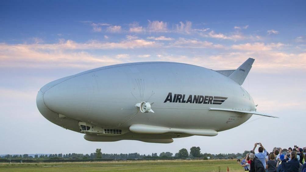 Airlander 10 là chiếc máy bay sang chảnh nhất thế giới với trang bị 4 động cơ diesel siêu nạp công suất 325 mã lực và không cần đường băng riêng