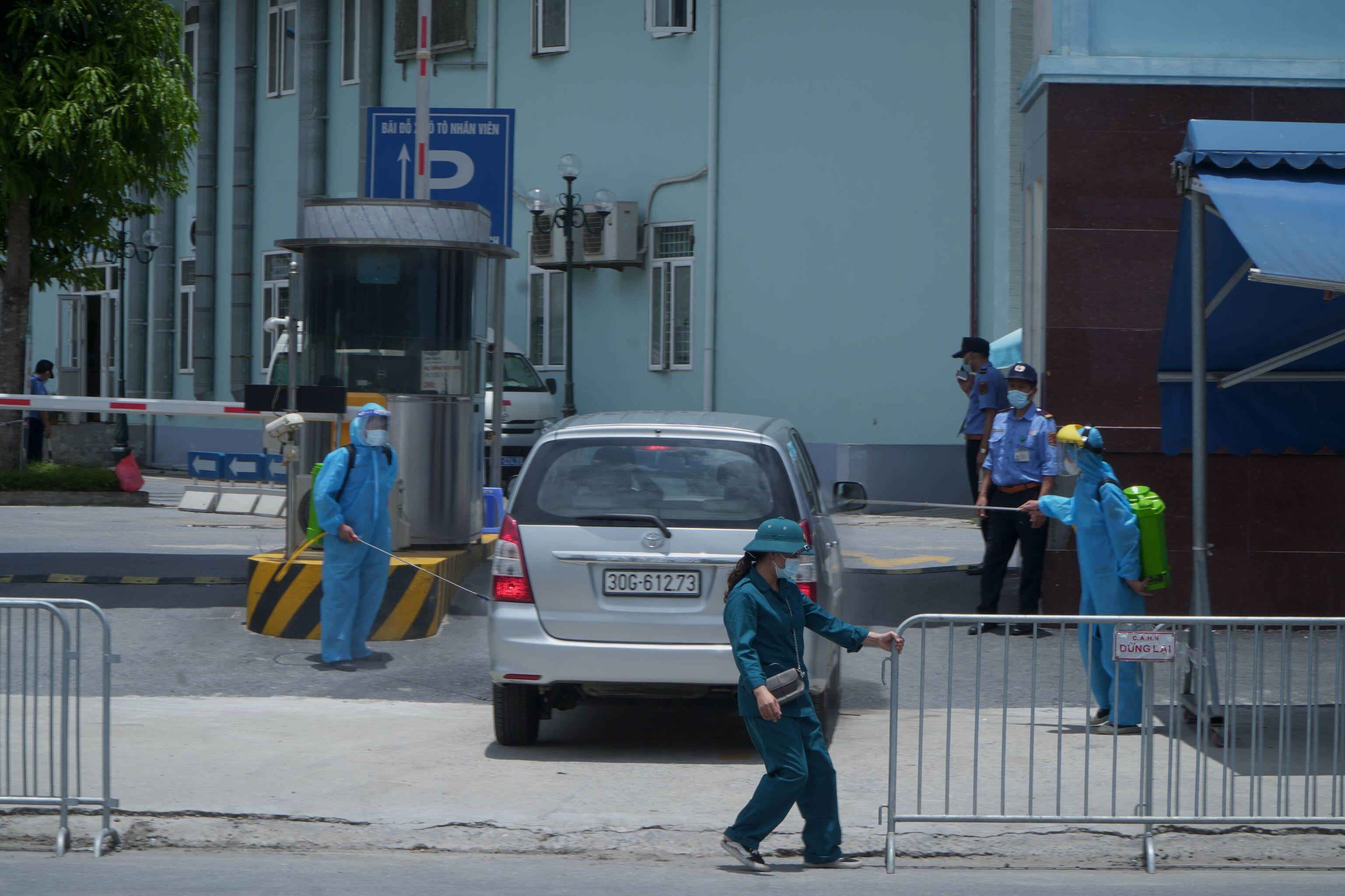 Sau 38 ngày bị cách ly, trưa 14/6, Bệnh viện K cơ sở Tân Triều đã dỡ phong tỏa.