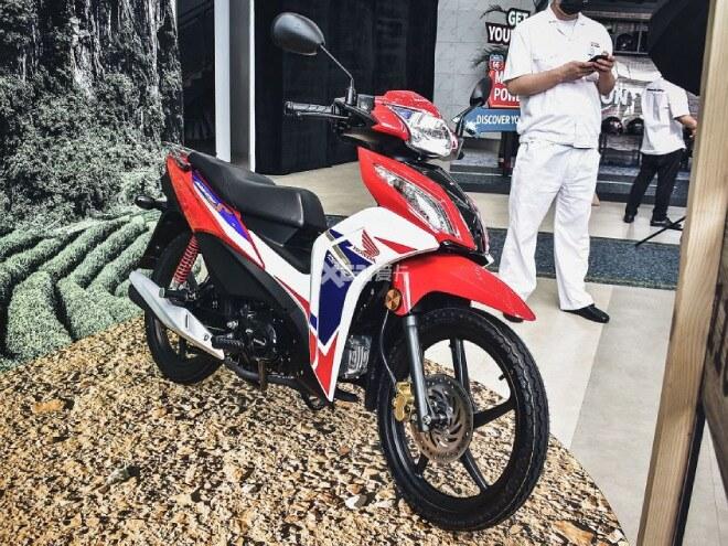 Honda Wave 110S vừa ra mắt  tại thị trường đông dân nhất thế giới là Trung Quốc với thiết kế thể thao, mạnh mẽ