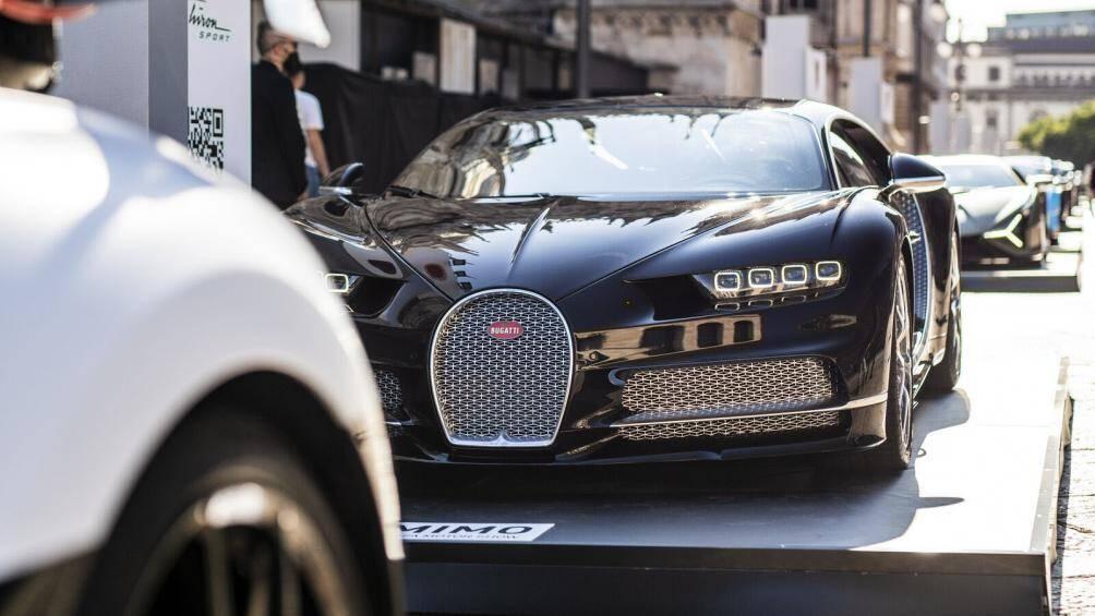 Ngoài Chiron Super Sport và Bolide mới, Bugatti còn đem tới những phiên bản phổ biến của dòng Chiron với hai mẫu xe Chiron Pur Sport và Chiron Sport