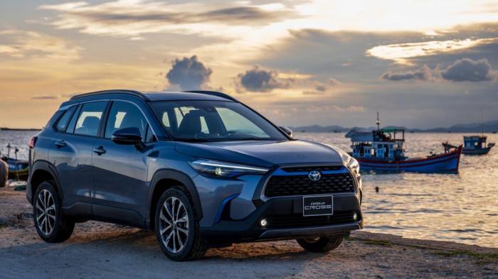 Những câu hỏi về pin hybrid trên xe Toyota Corolla Cross 3