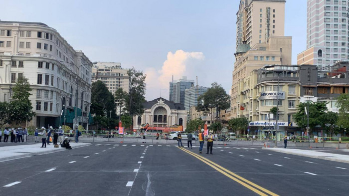 Dỡ rào chắn tuyến metro số 1, đường Lê Lợi thông thoáng khác lạ 1
