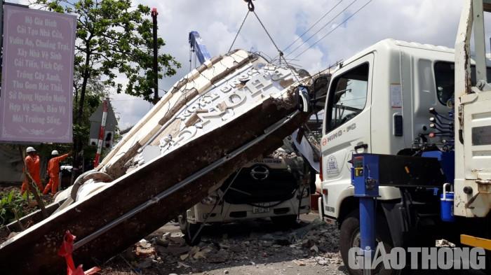 Xe sửa chữa điện kéo sập cổng chào ở Bạc Liêu: Tài xế đã tử vong 2