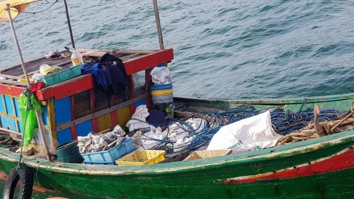 Ngư dân Quảng Bình phát hiện kho tiền xu cổ dưới đáy biển