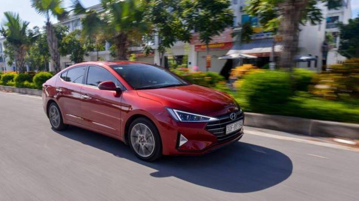 Hyundai Elantra giảm đến 45 triệu đồng, rẻ ngang Accent bản tiêu chuẩn 1