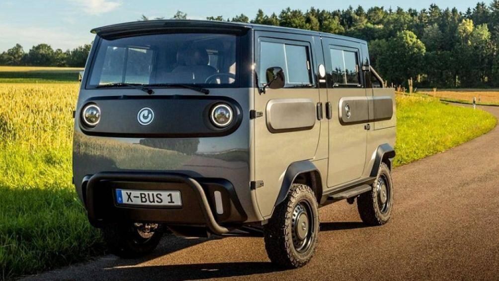 Mới đây, công ty Electric Brands tại Đức đã giới thiệu mẫu sản phẩm mới mang tên Xbus 2021 chạy điện với nhiều kiểu thân xe độc đáo khác nhau