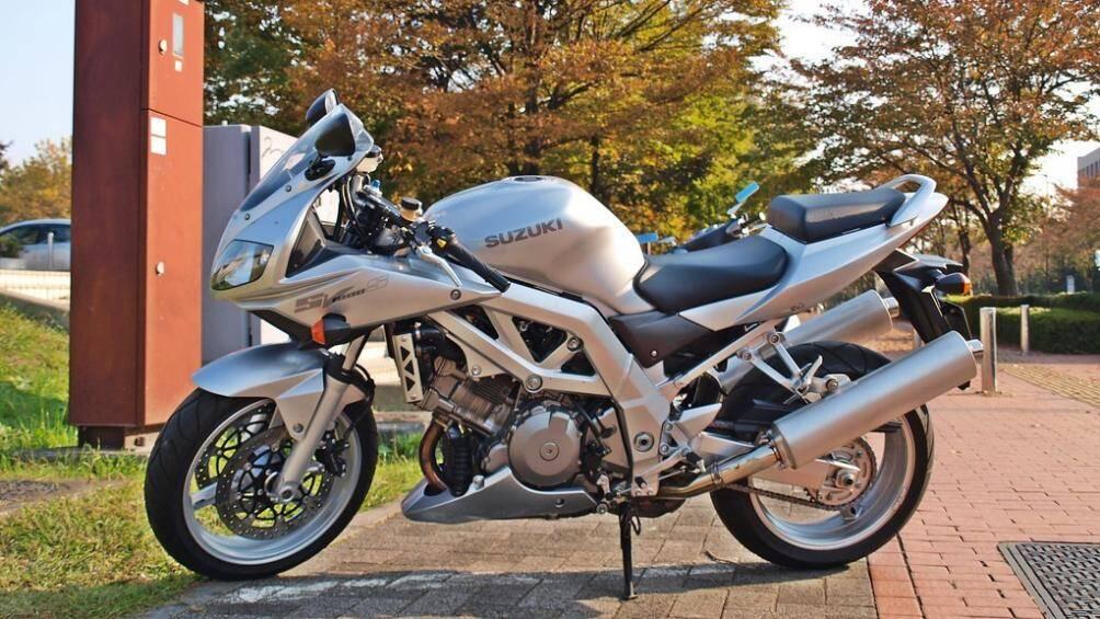 1. Suzuki SV1000S