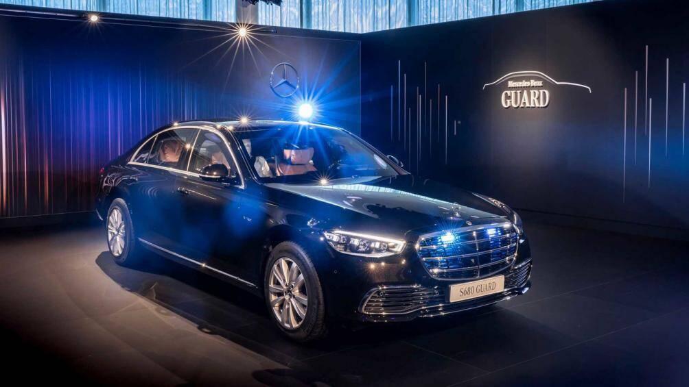 Mẫu xe này có tên gọi đầy đủ là Mercedes-Benz S680 Guard 4Matic, nó được thiết kế để chịu được một vụ tấn công bằng súng hoặc một vụ nổ