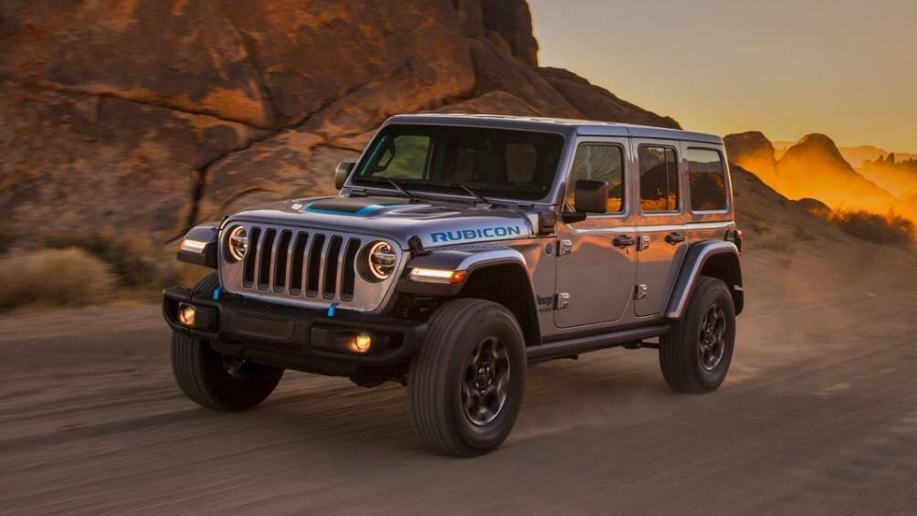 1. Jeep Wrangler 2021 (giá khởi điểm: 28.475 USD)