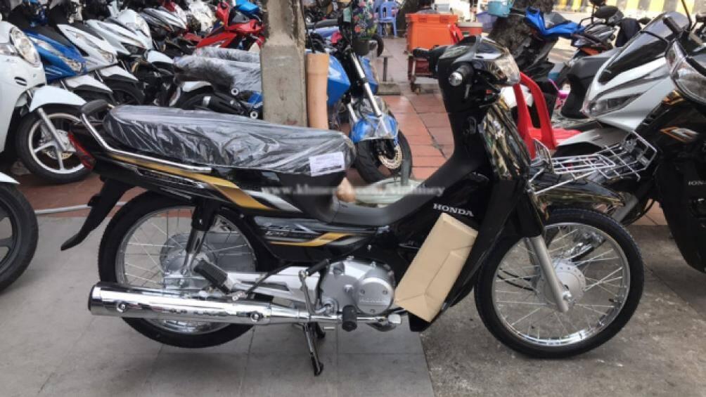 Mới đây Honda Dream 125 mới bản Beyond Luxury đã chính thức được tung ra thị trường Campuchia, dự kiến sẽ sớm được đưa về Việt Nam thời gian tới